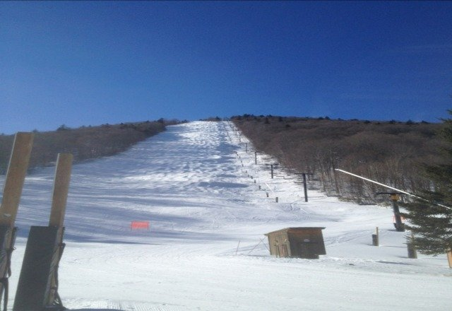 Came in to Killington from Toronto and skied 4, 5 Feb. Conditions are fair-good. They have made a ton of snow and their groomers do an excellent job very compareable to Mt. St. Louis at home.  The AM skiing is great but by mid PM gets skied out.  Here's a pic of outerlimits a leg burning mogul run here.