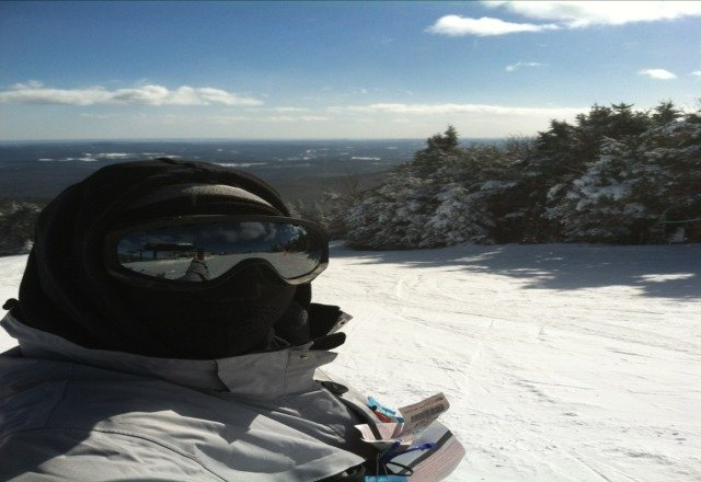 im ovaaa heaaaa now...MT. Snow baby no lines good conditions calm before the storm