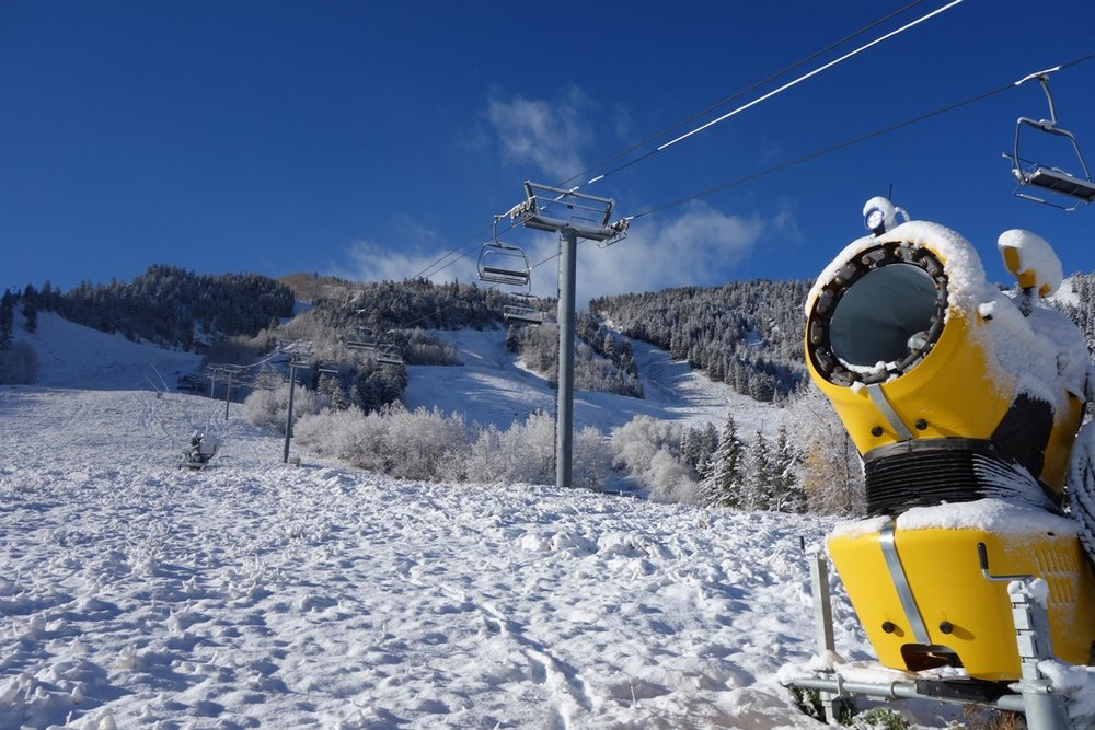 Starting on November 1, pending low temperatures, snow guns will start firing to perfect the slopes for Opening Day on Thursday, Thanksgiving, November 28.  - © Aspen/Snowmass