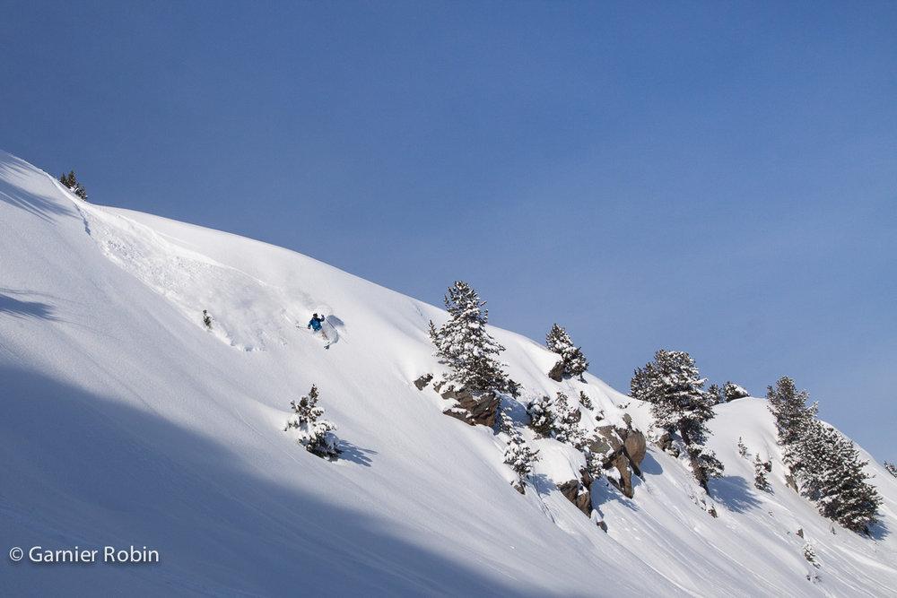 La Tania n'a plus de secret pour Yoann Roche qui en arpente les pentes à chaque nouvelle chute de neige... - © Robin Garnier
