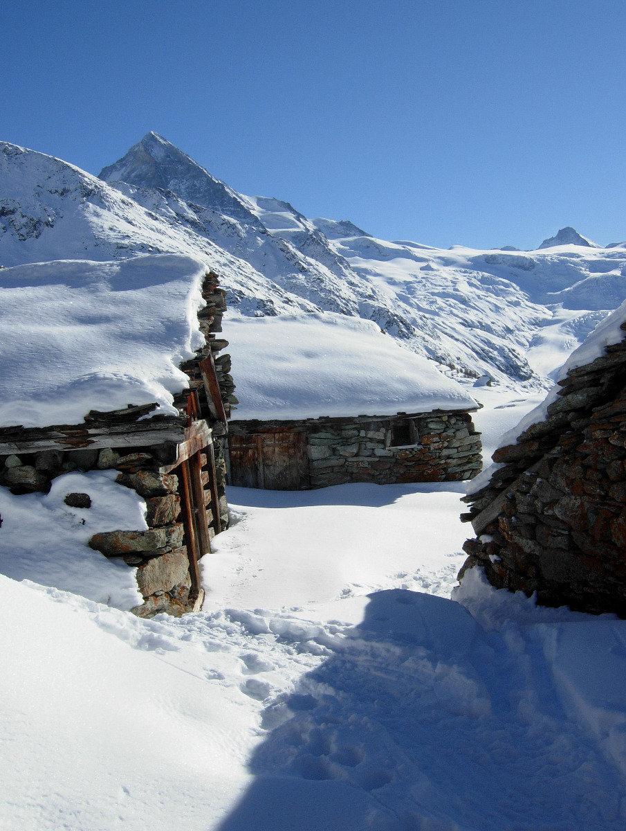 Ambiance hivernale sur les alpages d'Evolène - © Evolène Région
