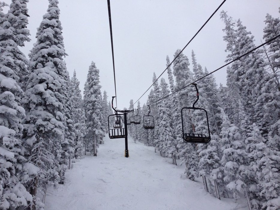 Extreme conditions at MJ! Low visibility kept pano from opening, but plently of snow in trees. Awesome place to be.