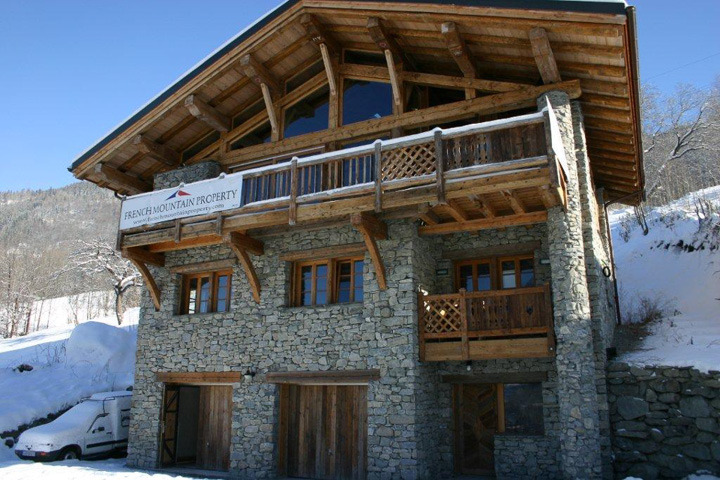 Chalet Chardonneret outside. Courtesy French Mountain Property