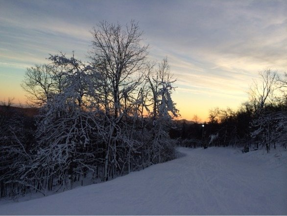 Beautiful sunset today after a great day of skiing!!❄️