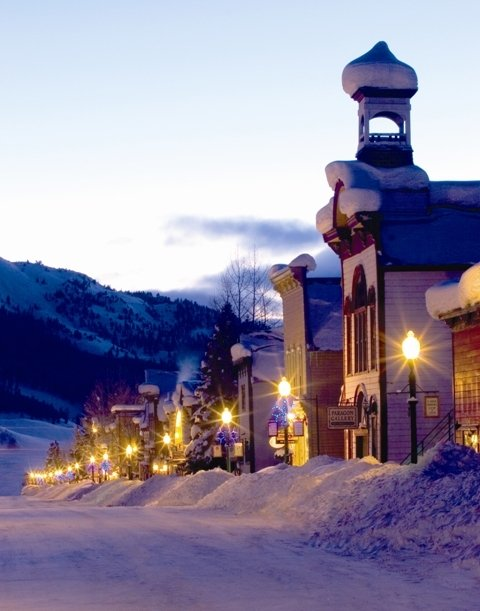 Downtown Crested Butte, Colo. - © Courtesy of Crested Butte Mountain Resort/JC Leacock