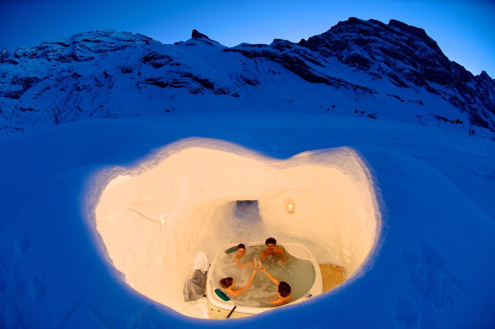 Hot tub at Zermatt Iglu Village, Switzerland - © Iglu-dorf