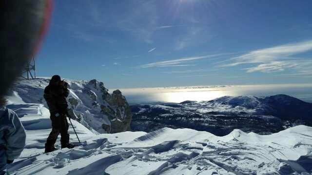 le top... soleil et neige... vue sur la Corse...