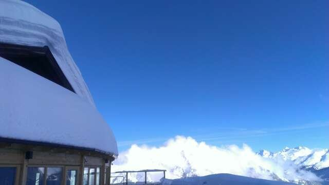 Super Schnee,  tolle Skibedingungen,  nur am Ende der Talfahrt wird's a bisserl Eisklumpig