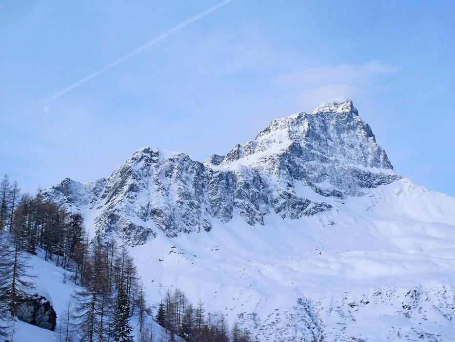 Im Morgenlicht: Der Piz Platta - © SkitourGuru.com