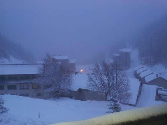 neige fraîche tombée cette nuit