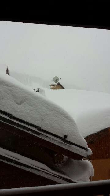 Been snowing most of last night and today. At least 20cm fresh powder.....roll on tomorrow!