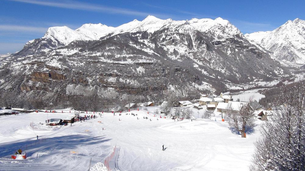 Vue sur le départ des pistes de ski de Serre-Eyraud - © Stéphane GG
