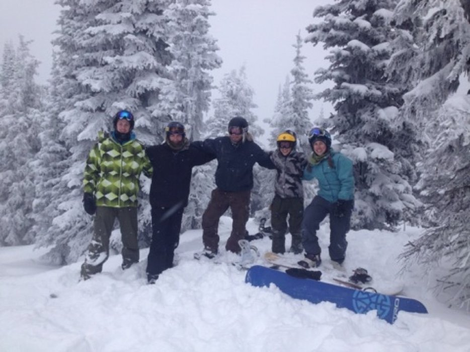 Great day with friends!! Lots of powder in the trees!! Loving Big White, just wish we had some sun #bigwhiteout
