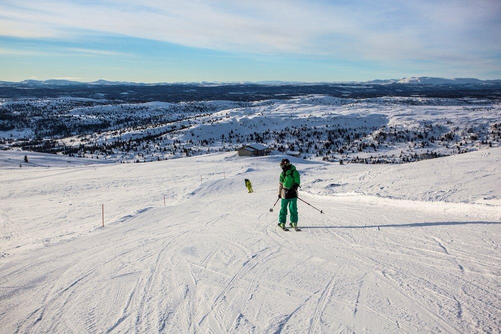 Blant flotte fjell i Gudbrandsdalen finner du Skeikampen. Et perfekt sted for skikjøring og skiferie med familier med og uten barn. - © Marius Helland Bøstrand