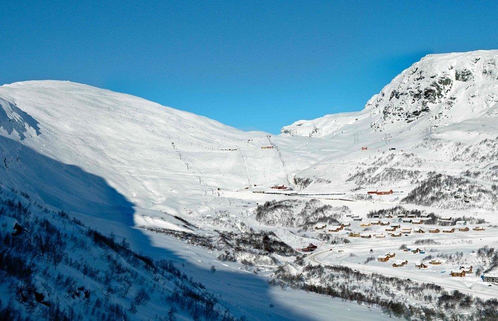Heisen starter ved undergangen ved hyttefeltet i Håradalen, 680 meter over havet.
