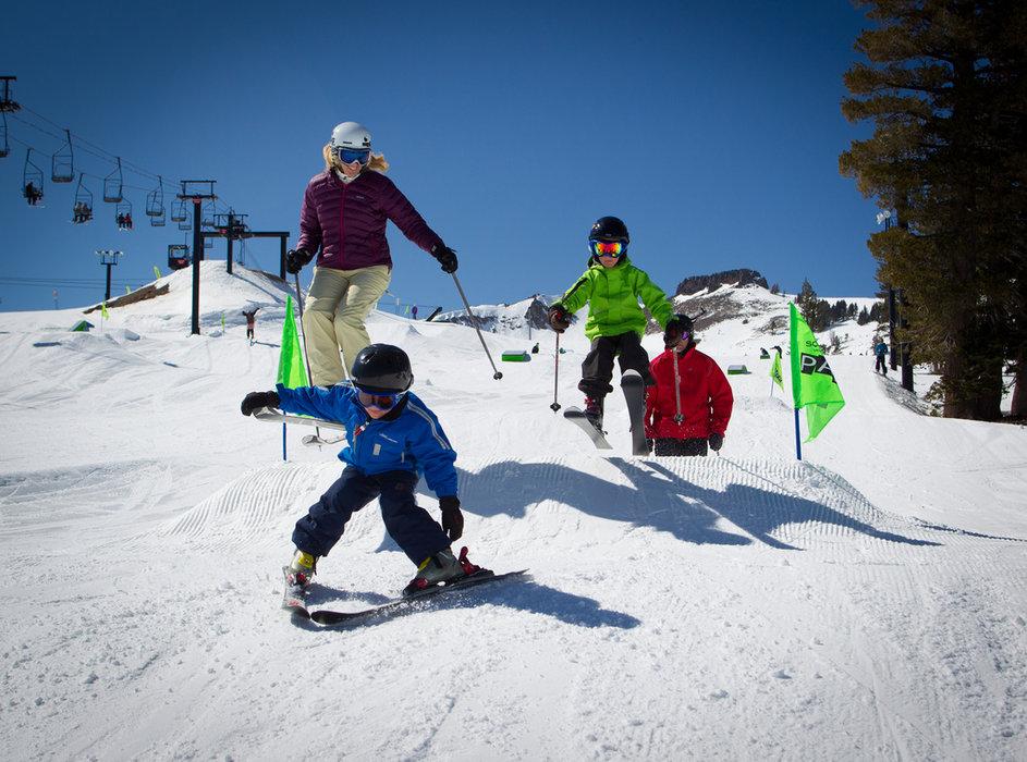 ABC per una giornata sulla neve con i bambini - © Jeff Enegerbretson / Squaw Valley