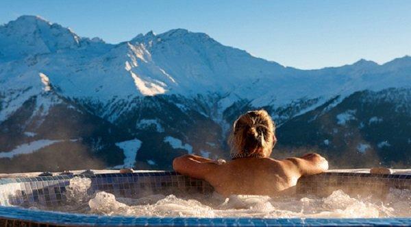 The view from the Septième Ciel hot tub is simply divine - ©Septième Ciel