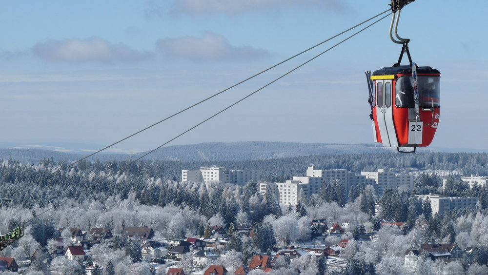 You can get wonderful views above the landscape, while sitting in the cable cars - © Erlebnis BocksBerg