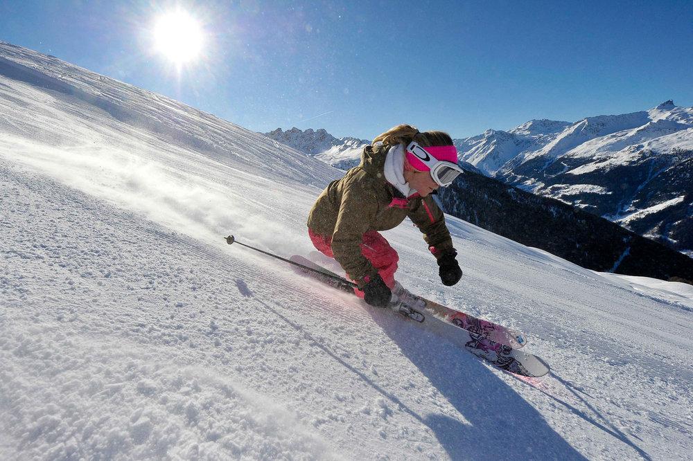 Ski sur les pistes du Val d'Anniviers - © Val d'Anniviers Valais