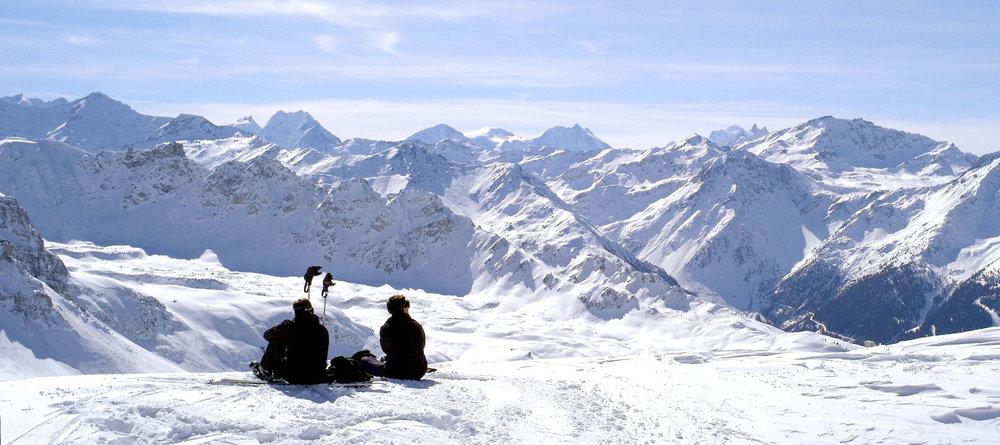 Vue sur les hauts sommets depuis le domaine skiable de St-Luc - © Val d'Anniviers Valais