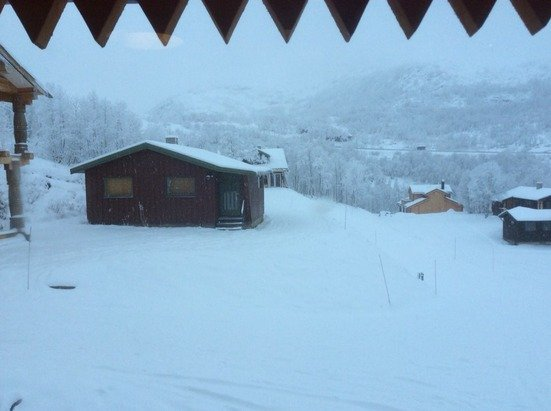 More than 15cm from the morning and still snowing !!!