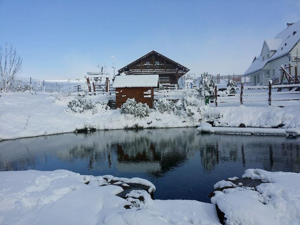 Boží Dar - Novako, 15 cm čerstvého sněhu zde rozhodlo o otevření sezóny!