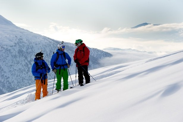 Three friends enjoying a day in the snow - © Voss Fjellandsby/Myrkdalen