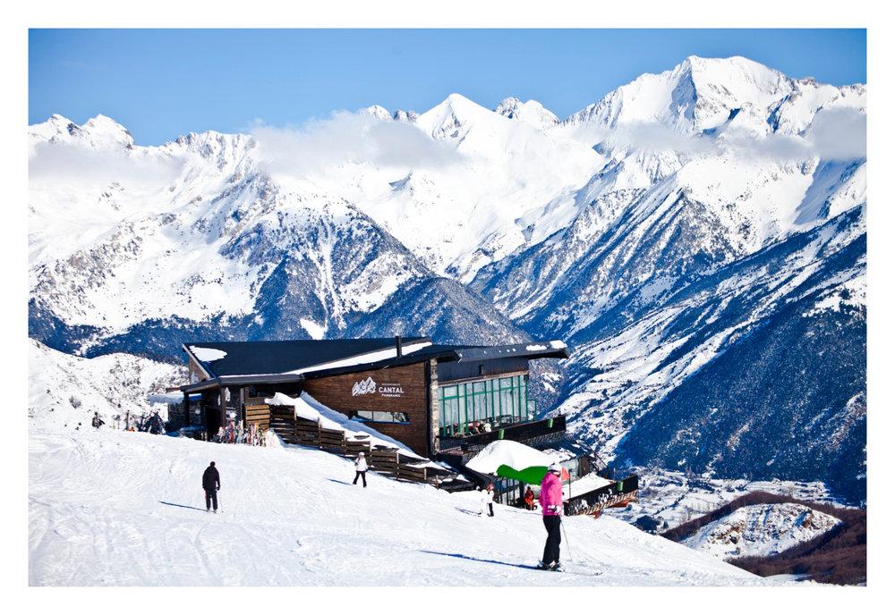 Sur les pistes de ski de Formigal - © Aramon