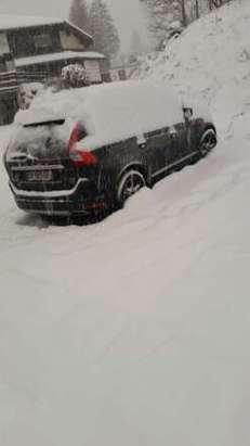 grosses chutes de neige depuis hier, neige excellente