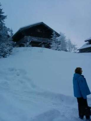 Day 7 28th Dec loads a snow but lifts shut unfortunately till they pack it down over night.. Great resort good slopes.