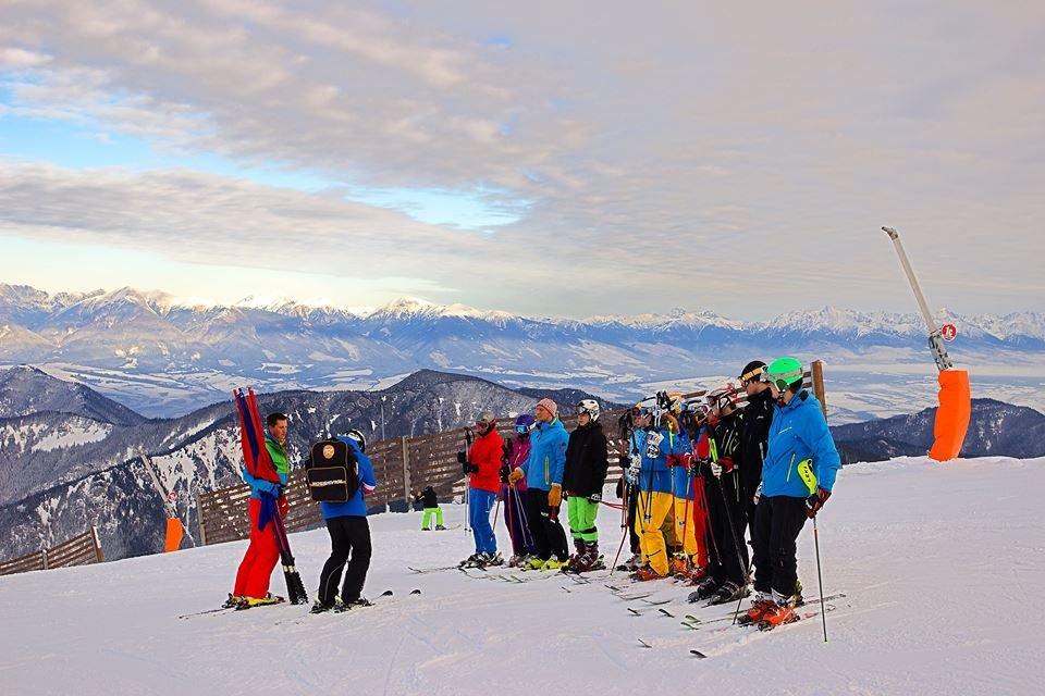 V Jasnej sa už takmer týždeň lyžuje (10.12.2014) - © TMR, a.s.