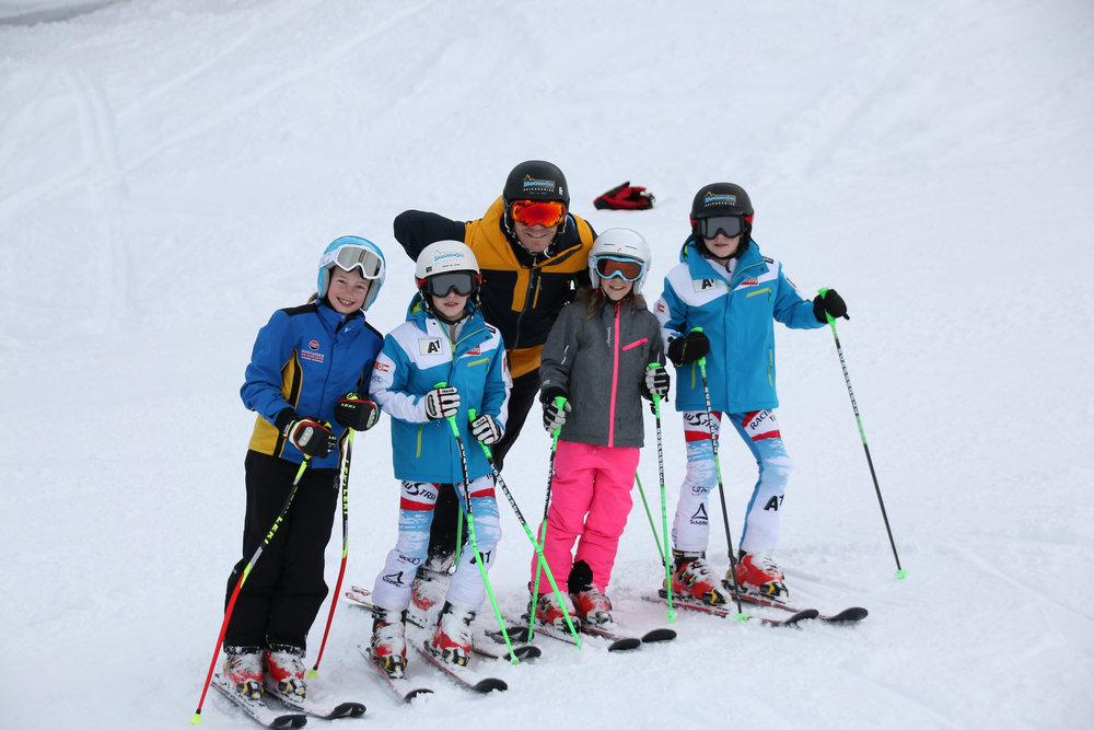 Les joies du ski en famille - © Zauchensee