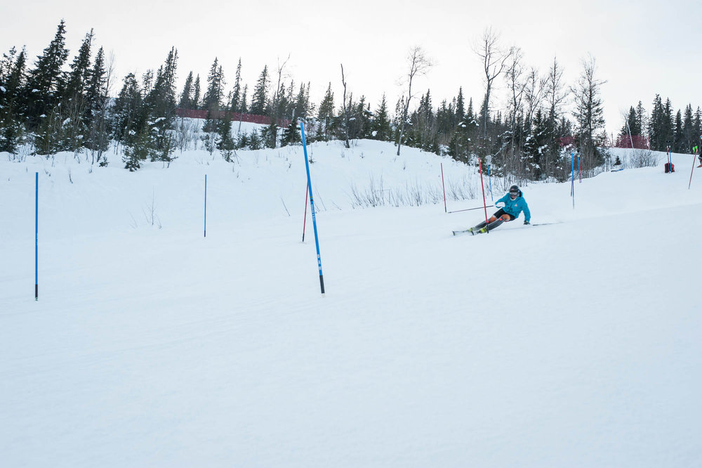 IL Heming kjører ofte treningsleirer på Ål Skisenter. Her trener de før et FIS-renn. - © Eirik Aspaas