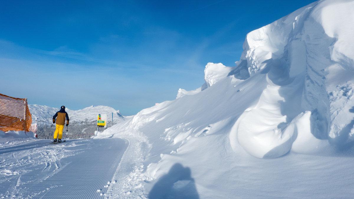 Tief verschneite Winterlandschaft - © Bergbahnen Oberstdorf/Kleinwalsertal