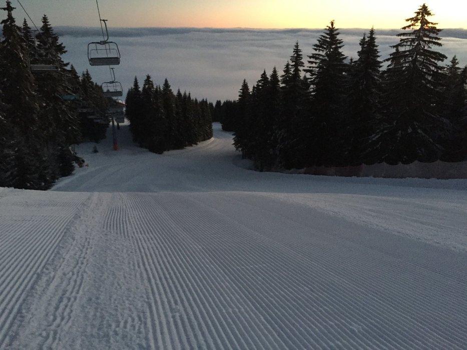 Klínovec slibuje azuro, inverzní počasí přináší na hory sluníčko - © Facebook Skiareál Klínovec