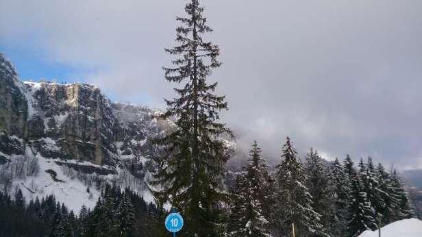 belle journée sur  piquemiette mais neige moyenne