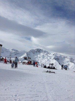 Trop cool,avec mon prof on a fait du slalom et la neige est très bonne.En gros, c'est trop top.