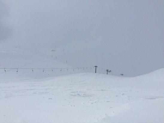Tnt neve fresca!!! Pochissima gente e le strutture sono abbastanza moderne