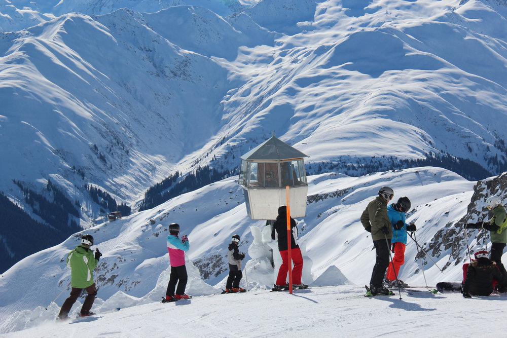 Weite Schneelandschaft im Skigebiet Disentis 3000 - © Skiinfo.de