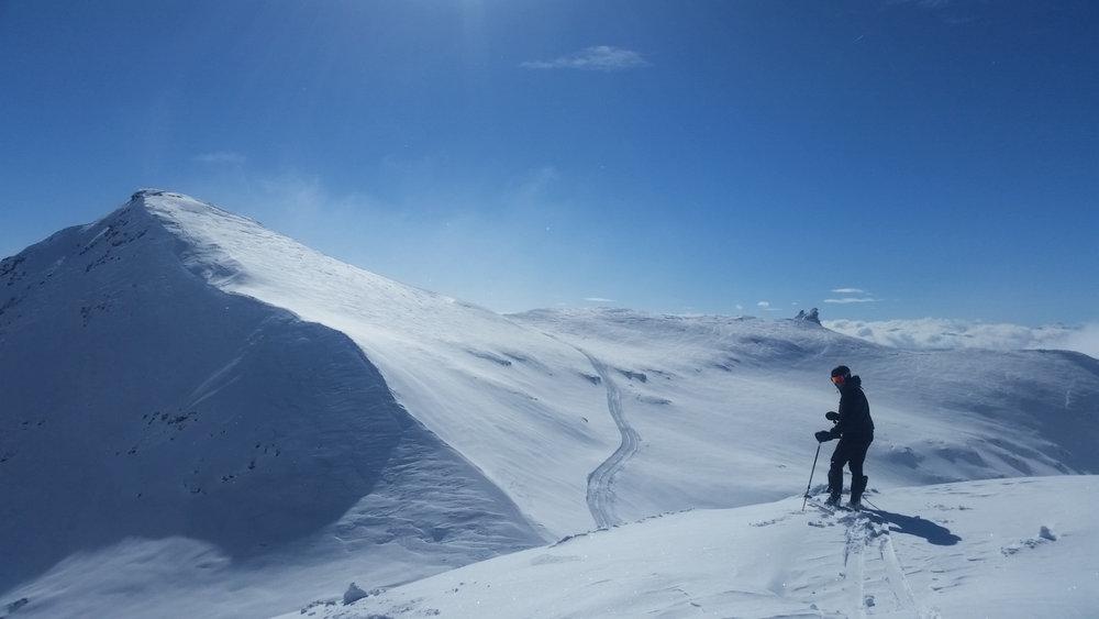 Perfekte Bedingungen am Vorab Gletscher auf 3.000 Metern / Schlepplifte auf dem Vorab-Gletscher. Hier startet und beendet Laax die Saison - © Skiinfo.de