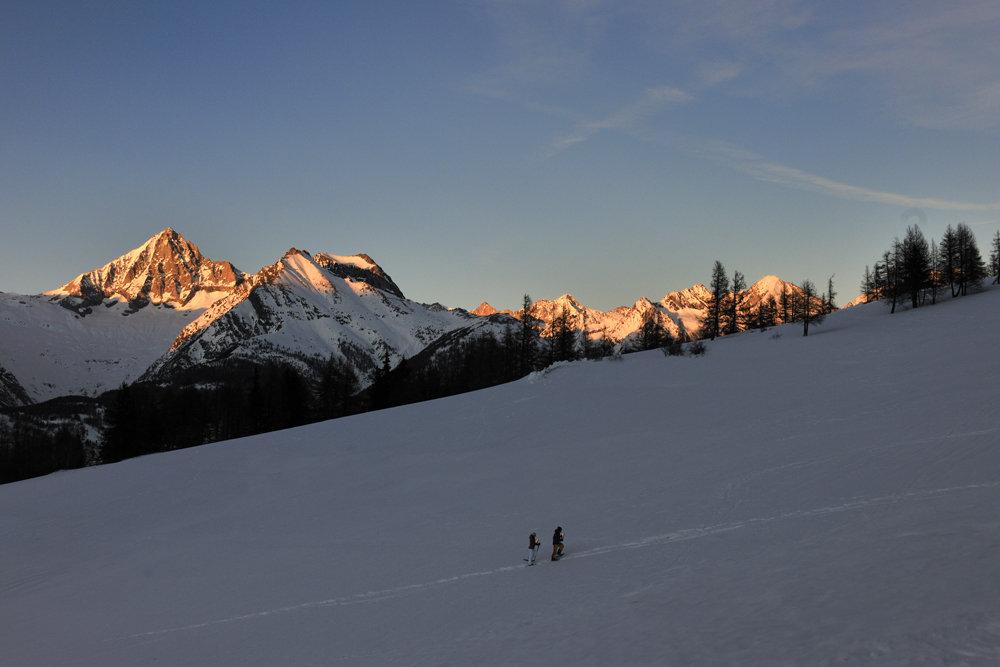 Ein harmonisches Schneebild am Abend - © Philipp Gattlen - Moosalpregion