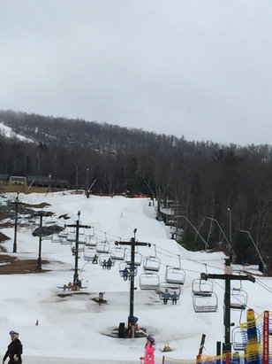 Windham Mountain - Still great to ski some icy spots - © AMY's iPhone6