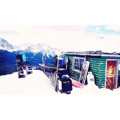 Lake Louise - Gorgeous day at Lake ! Still fresh powder stashes left in the back bowls. Get out here  - ©shredhead
