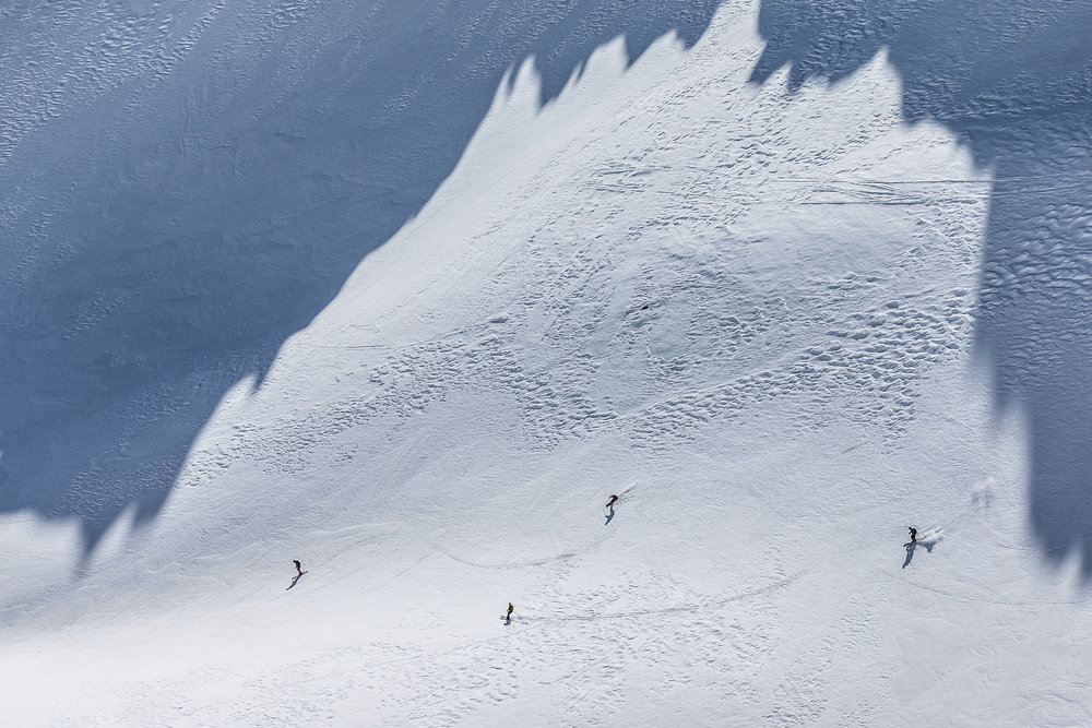 Freeride-Abfahrt vom Gemsstock durch das Hintertal - © Christoph Jorda | www.christophjorda.com