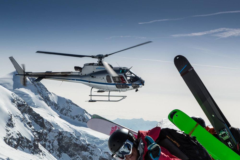 Helikopter am Col de Felik unterhalb des Pollux-Gipfel
