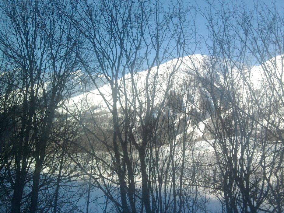 the first view | Knowone - © Nick Jarivs | skiing @ Skiinfo Lounge
