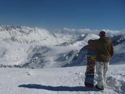Snowboard - © Pirinskiandgolf @ Skiinfo Lounge