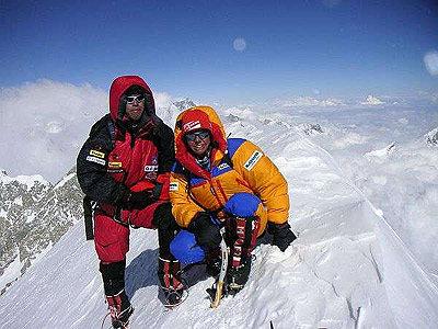 Gerlinde und Hirotaka am Gipfel - © www.amical.de