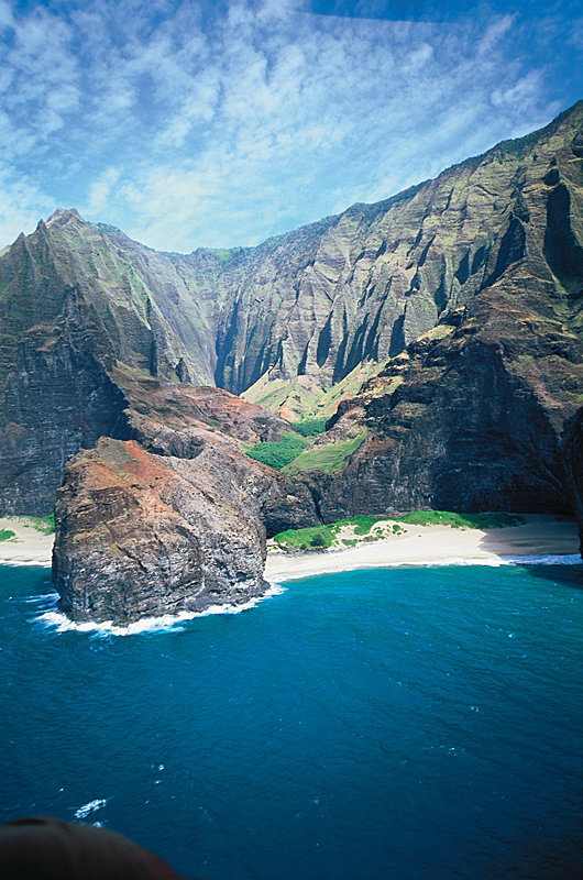 Pali Cliffs - © Hawaii Tourism Authority (HTA) / Robert Coello