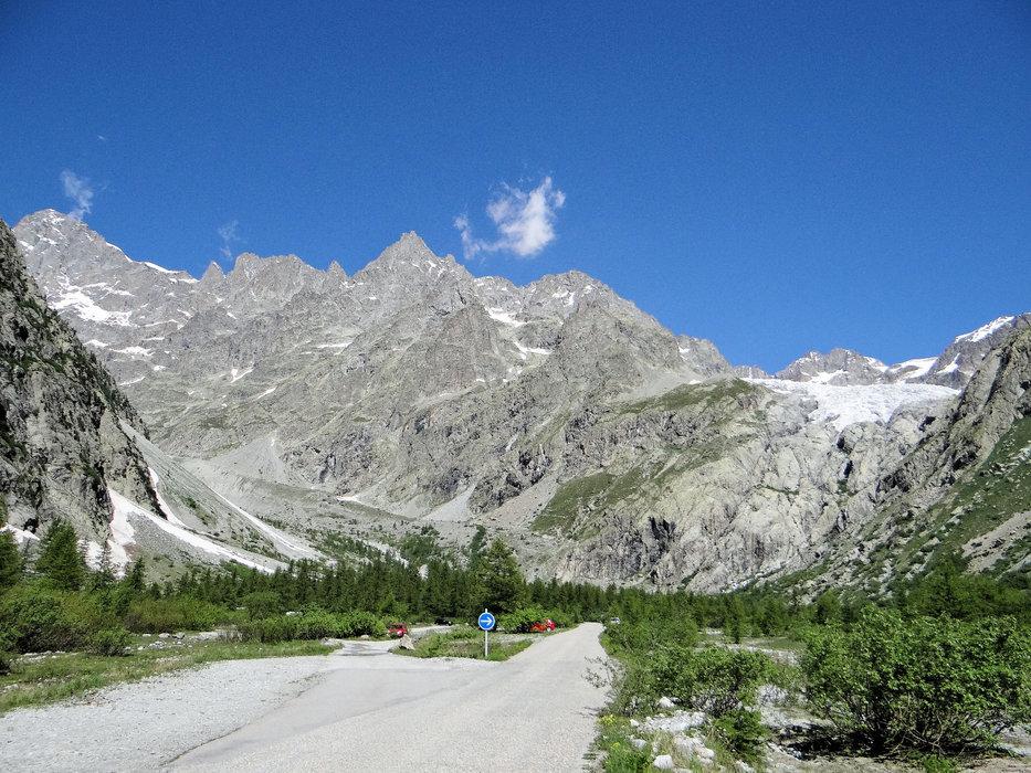 La barre des Écrins et le glacier Blanc vus du Pré de Madame Carle - ©MOSSOT - Wikipedia Commons